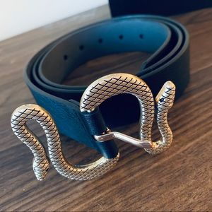 NWOT Snake buckle leather belt.